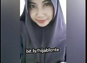 Bokep Indonesia Jilbab Toge -..