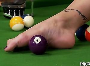 Inked Stunner Isla Licks Her High Heels..