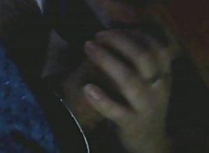 Mi sobrina Marlen me lo chupa abajo de la mesa