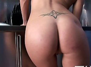 MY18TEENS - Amazing brunette with a beautiful..