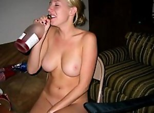 Hot girlfriend losses strip poker